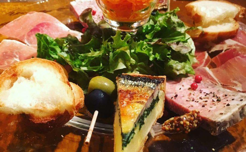 裏参道のアットホームな「パリの食堂」